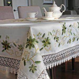 NEW Tablecloth EMERALD FLORAL & LACE, Square